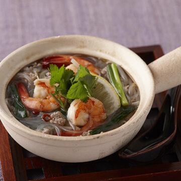 海老と挽き肉のエスニックスープ春雨鍋