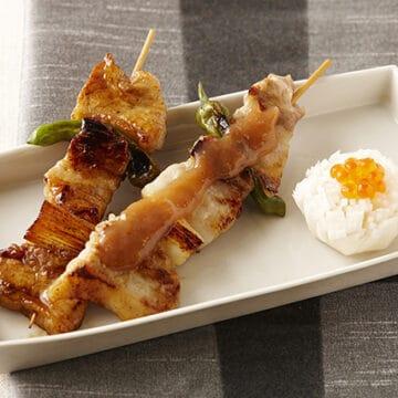 豚バラ肉の串焼き 梅肉ソース・菊花かぶ