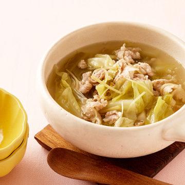 豚バラ肉と春キャベツのスープ
