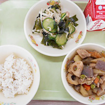 稲美町内の小・中学校の給食のメニューに「稲美町産純米本みりん」が採用されました