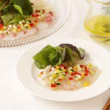 白身魚のカルパッチョ カラフル野菜ソース