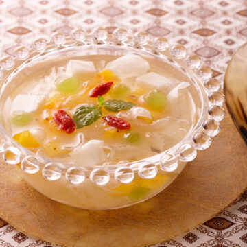 白きくらげと杏仁豆腐のスープ仕立て