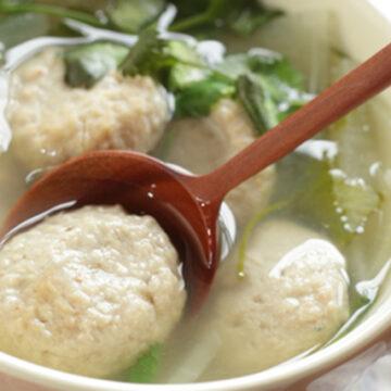 ホタテ団子と菊菜のスープ